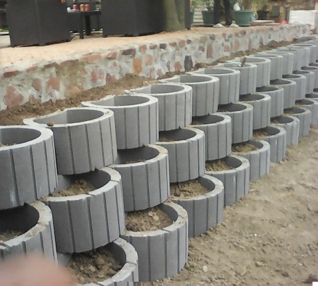 Betonska zardinjera od betona - Behaton Stein Garten - Betonska galanterija, ...